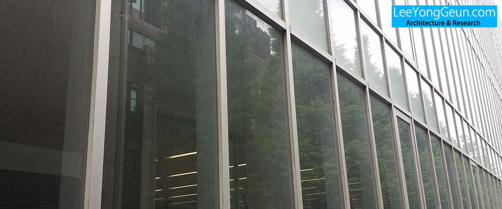 도쿄대학교법과대학원동(東京大学法科大学院棟)/마키후미히코(槇文彦)